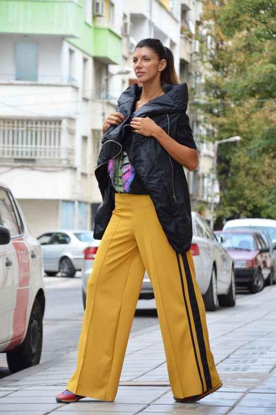 С чем носить брюки с лампасами фото_23