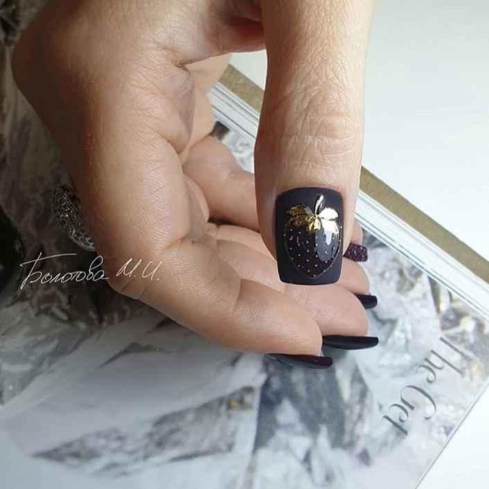 Необычный маникюр на короткие ногти фото_10