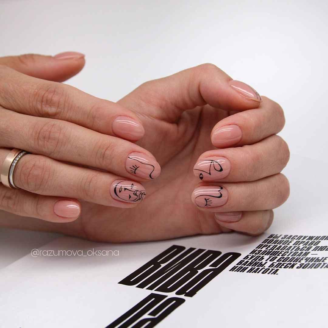 Необычный маникюр на короткие ногти фото_43