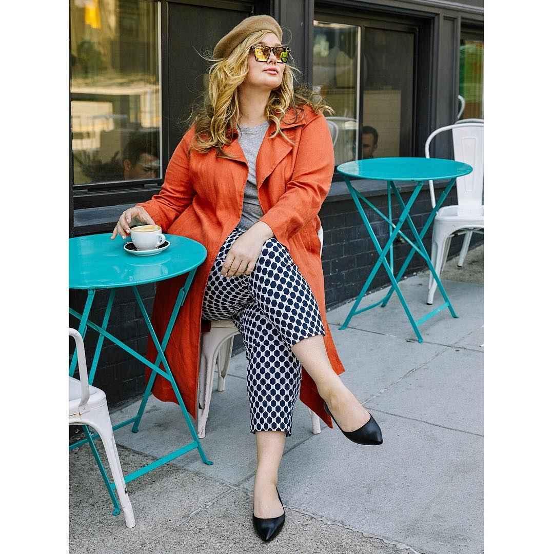 Модная верхняя одежда для полных женщин осень-зима 2019-2020 фото_46