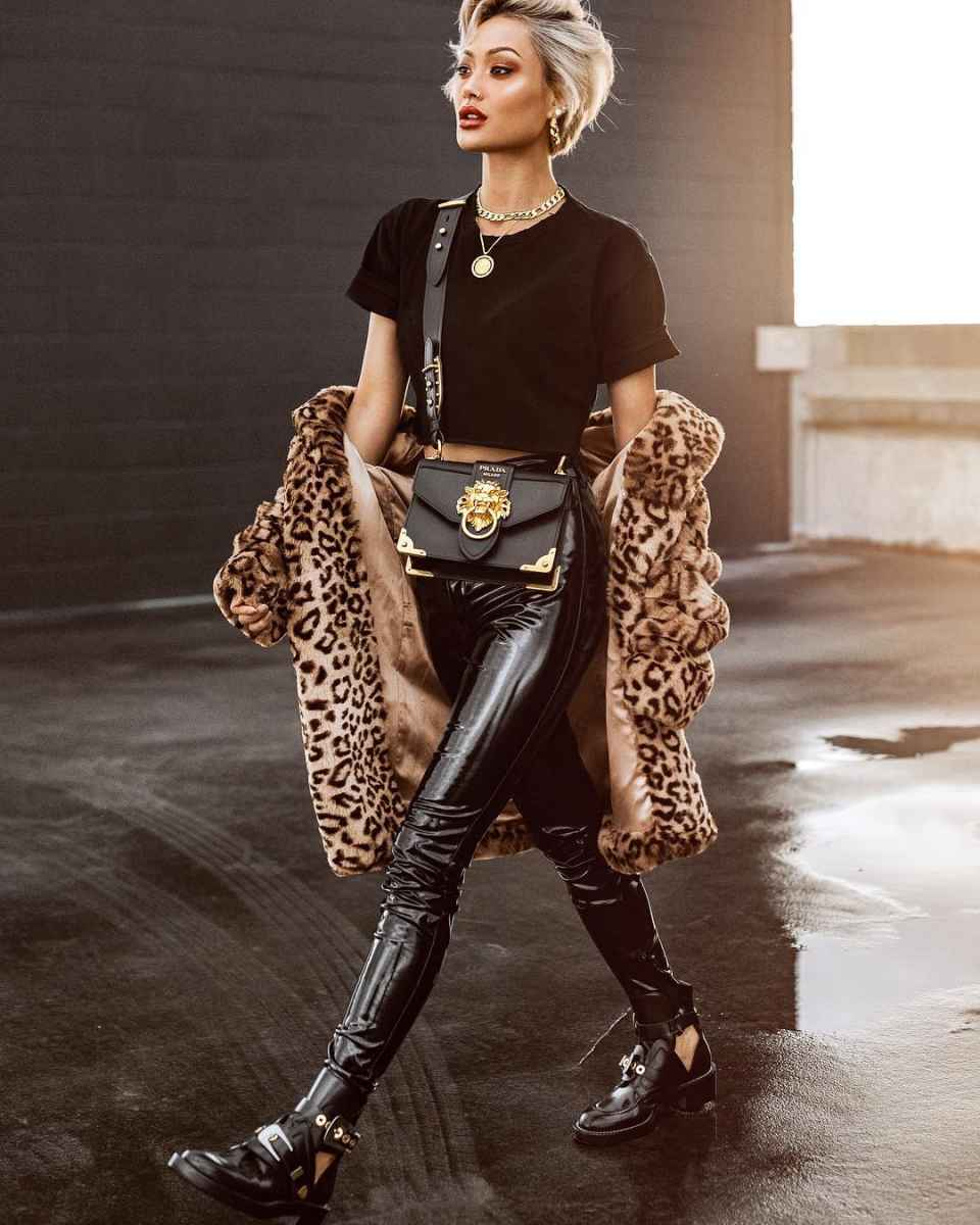 Модные шубы с леопардовым принтом фото_1