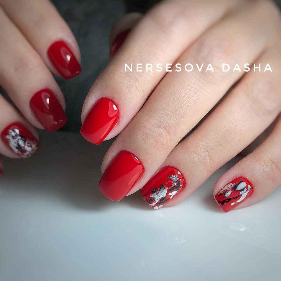 Красный осенний маникюрдля женщин за 50 фото_4