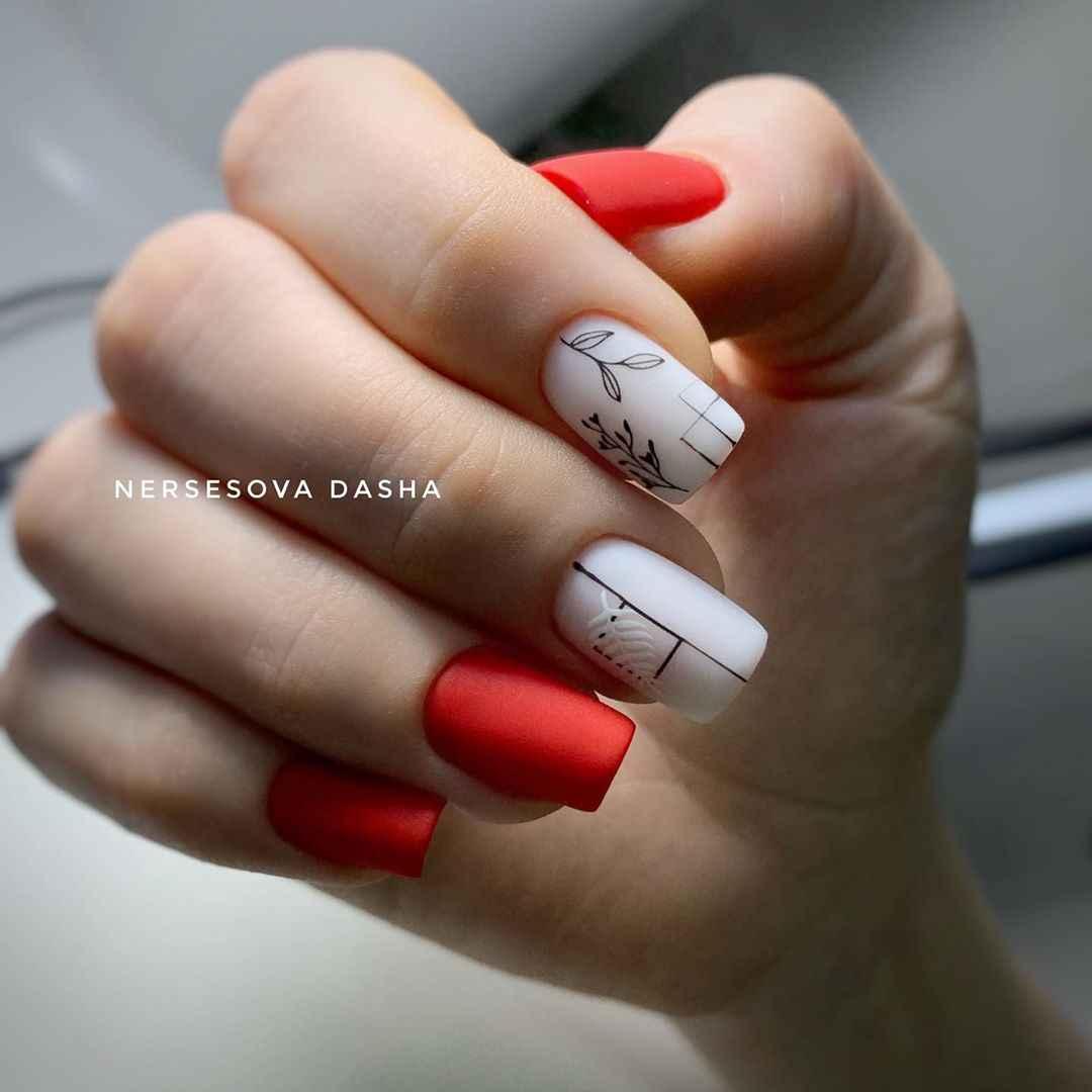 Красный осенний маникюрдля женщин за 50 фото_3