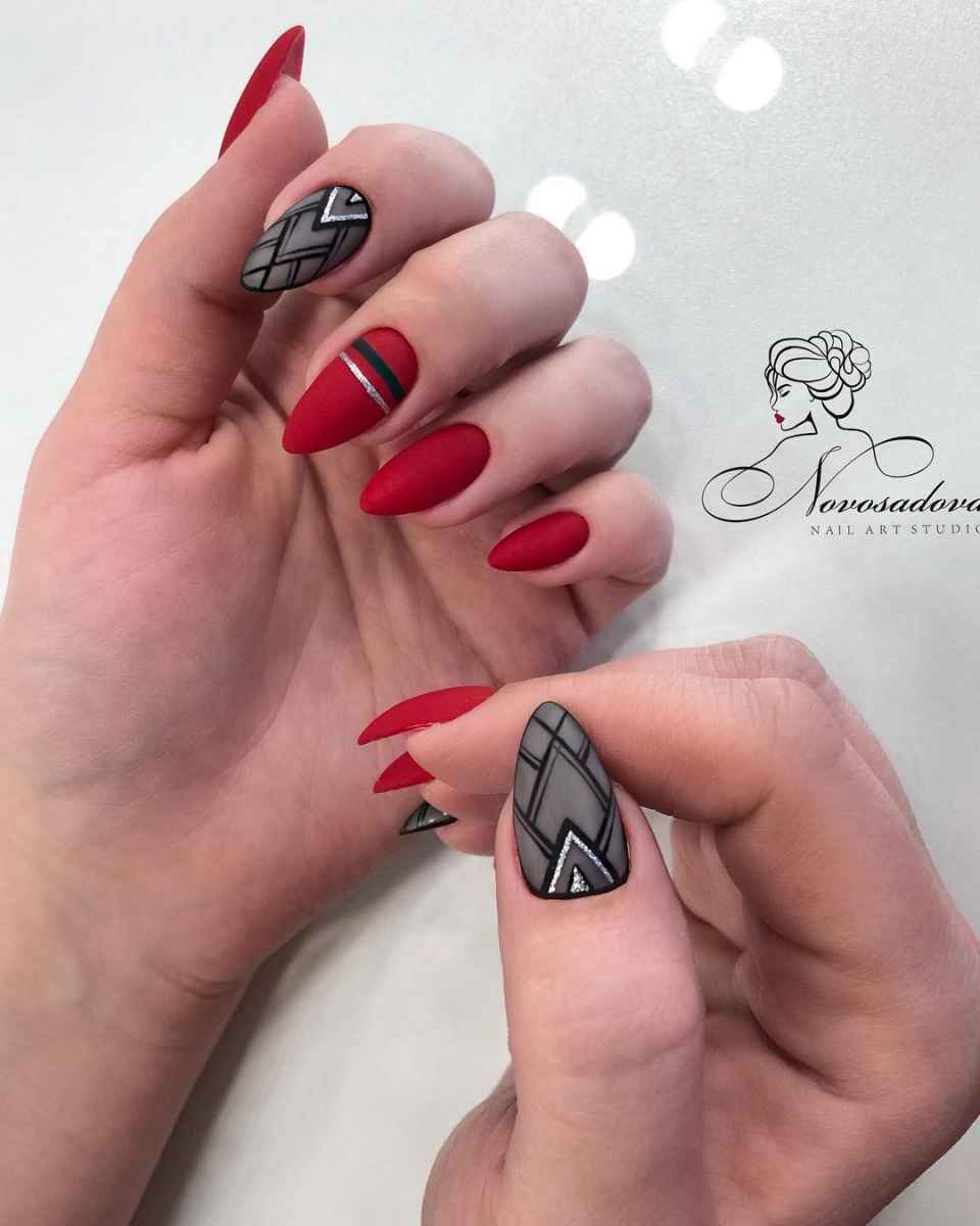 Красный осенний маникюрдля женщин за 50 фото_1