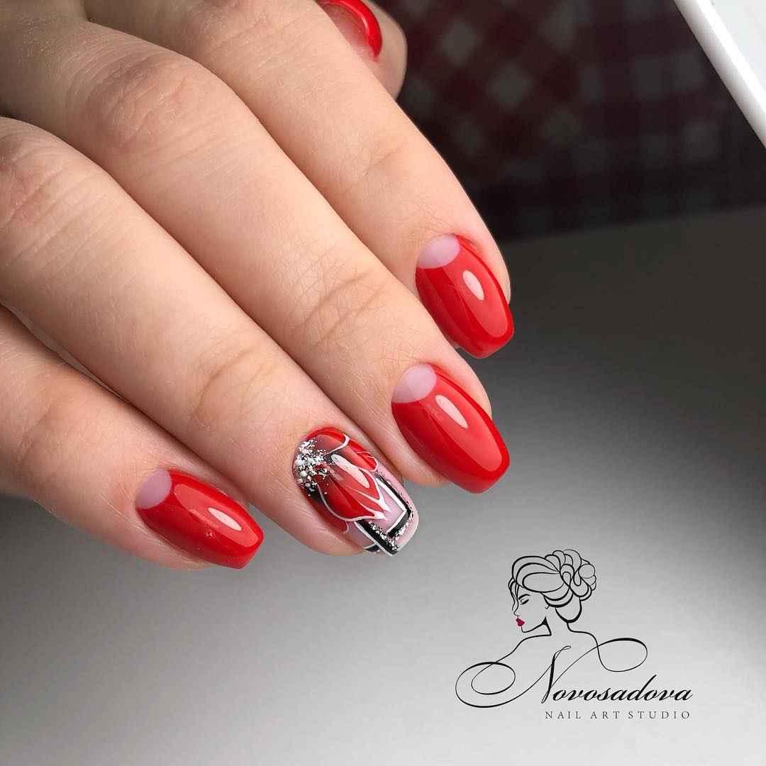 Красный осенний маникюрдля женщин за 50 фото_2