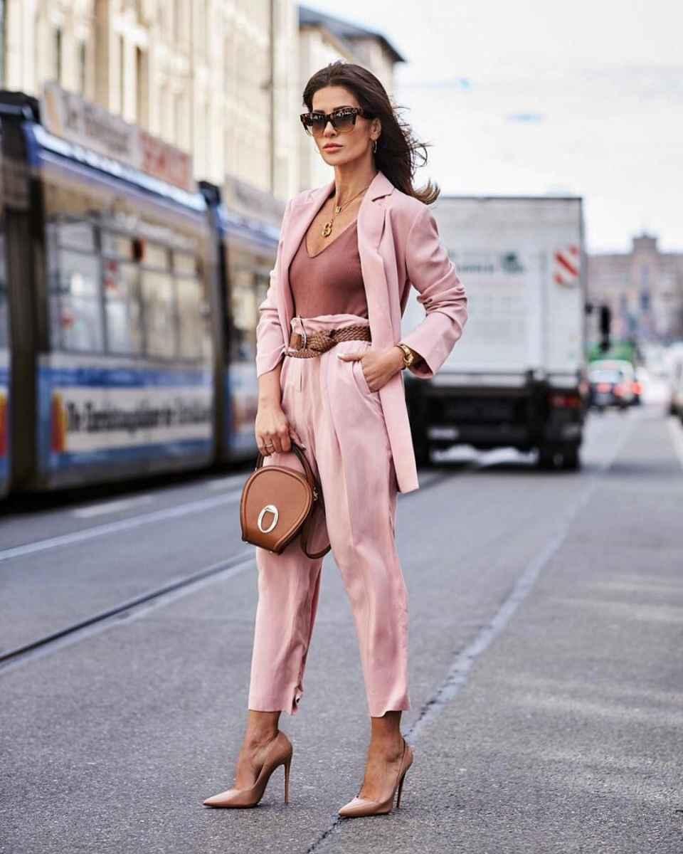 Модные луки для собеседования на работу женщине фото_28