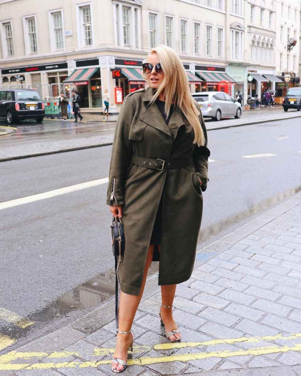 Модная верхняя одежда для полных женщин осень-зима 2019-2020 фото_4