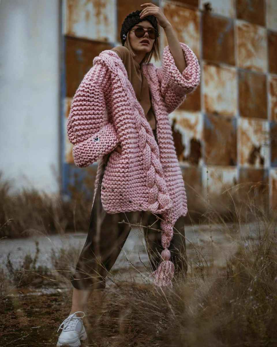 С чем носить розовый кардиган фото_18