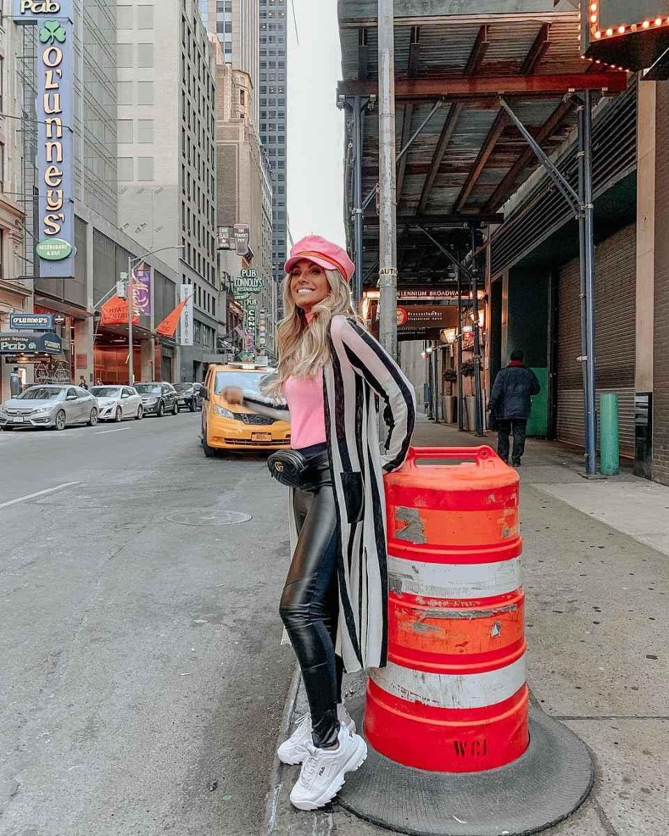 С чем носить зимние женские кроссовки фото идеи_10