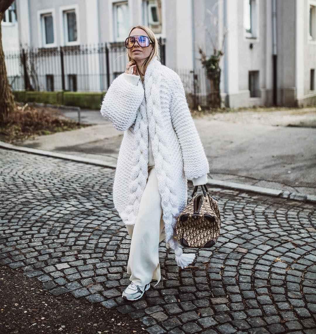 С чем носить зимние женские кроссовки фото идеи_6