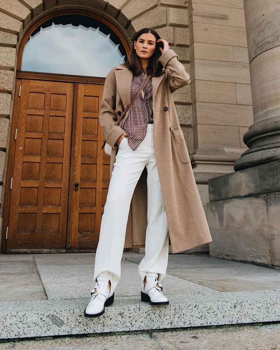 С чем носить коричневое пальто фото идеи_1