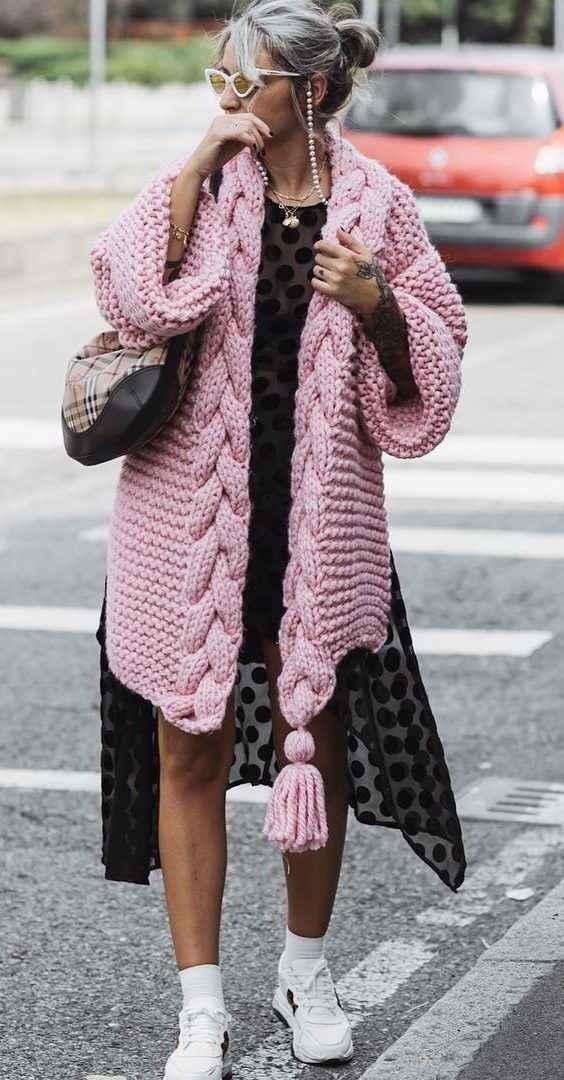 С чем носить розовый кардиган фото_24
