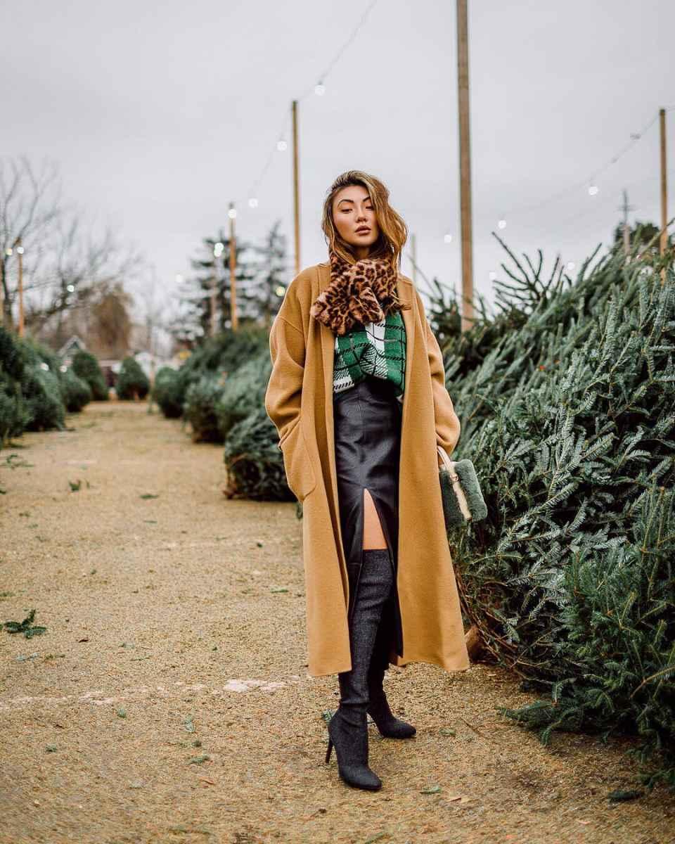С чем носить коричневое пальто фото идеи_17