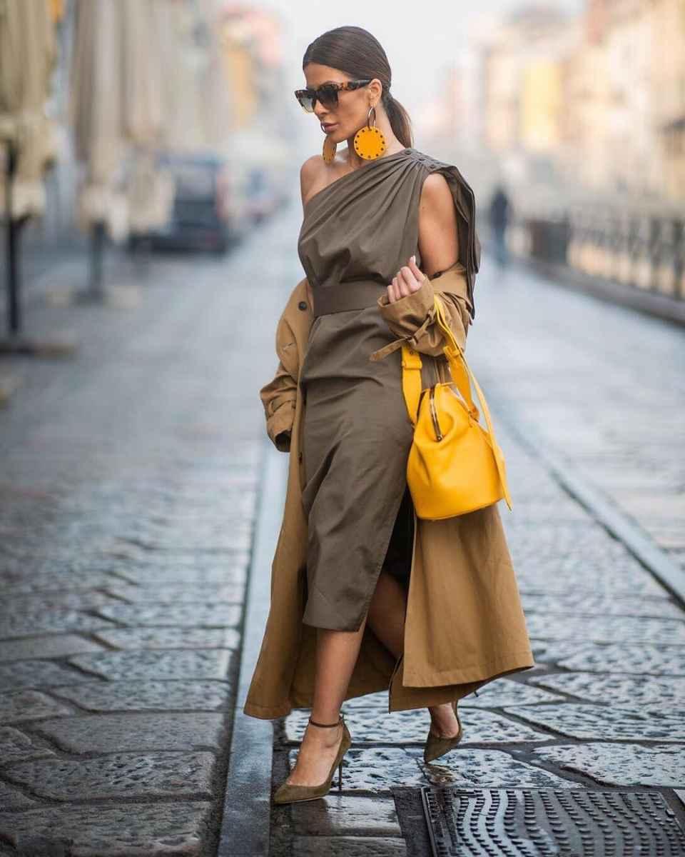 С чем носить коричневое пальто фото идеи_25