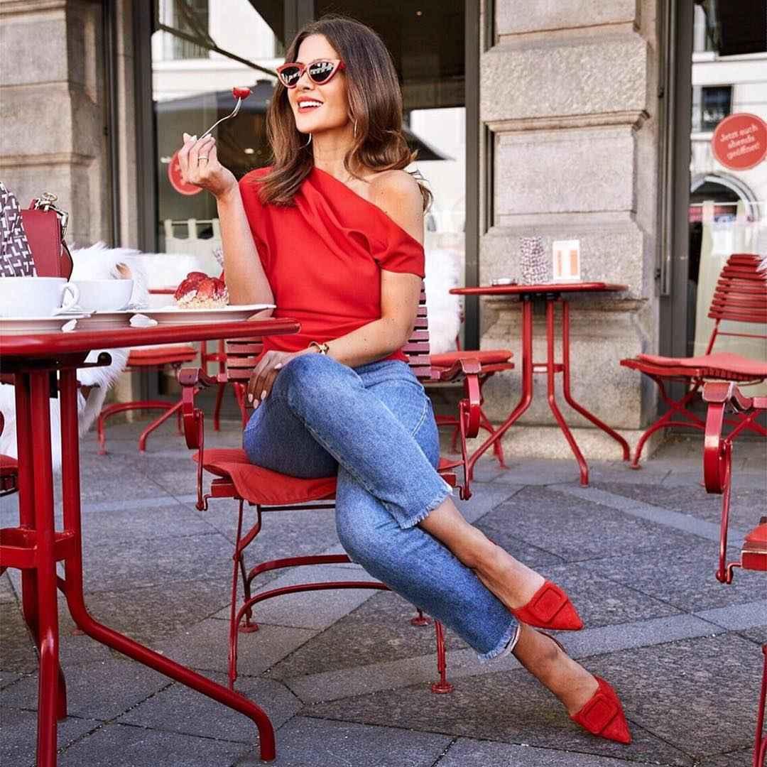 С чем носить джинсы женщинам после 40 фото_27