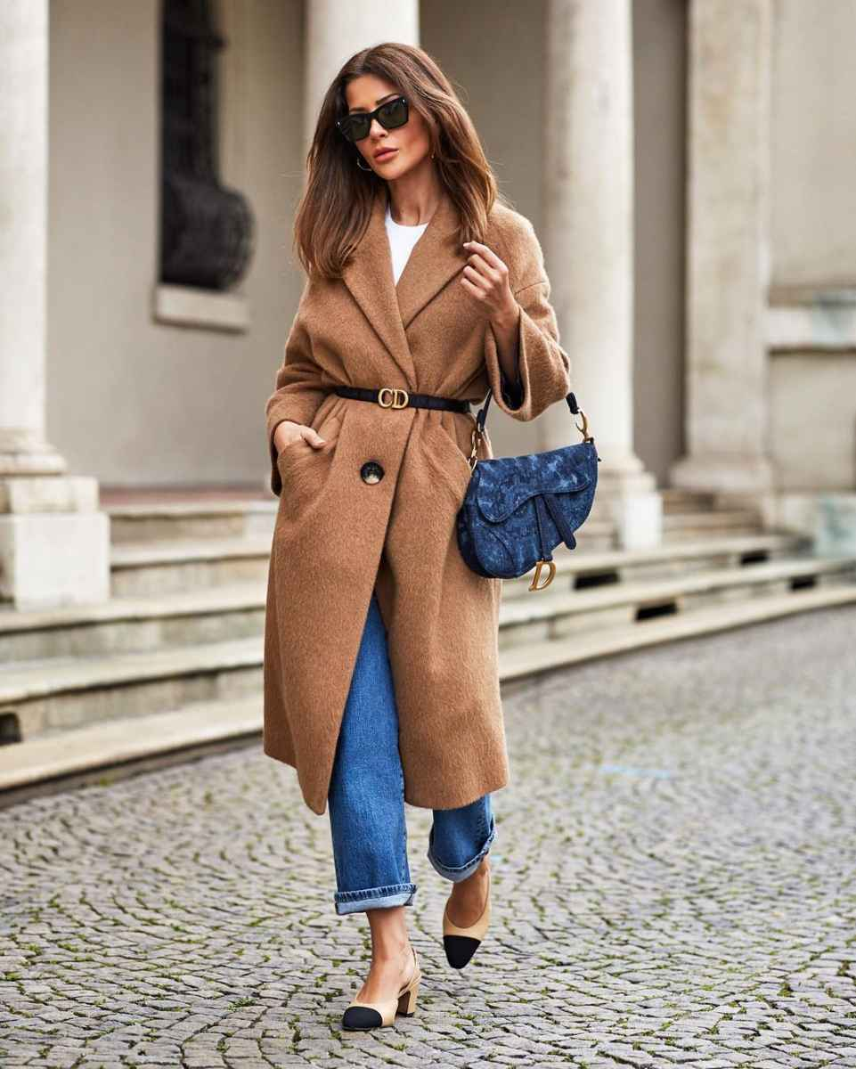 С чем носить коричневое пальто фото идеи_27