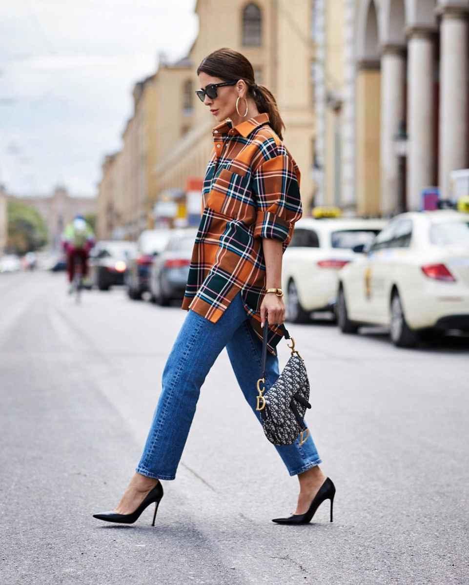 С чем носить джинсы женщинам после 40 фото_22