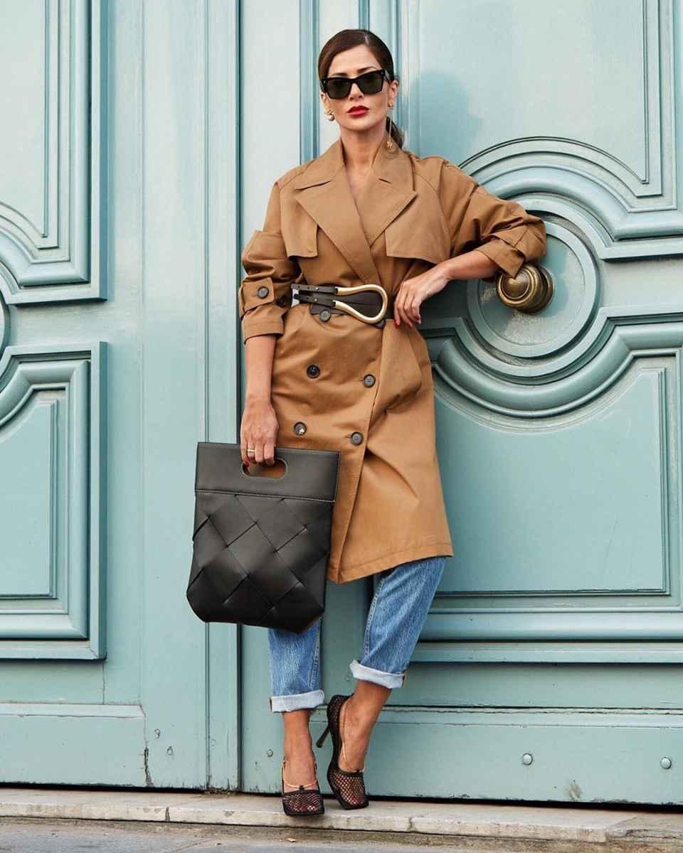 С чем носить коричневое пальто фото идеи_29