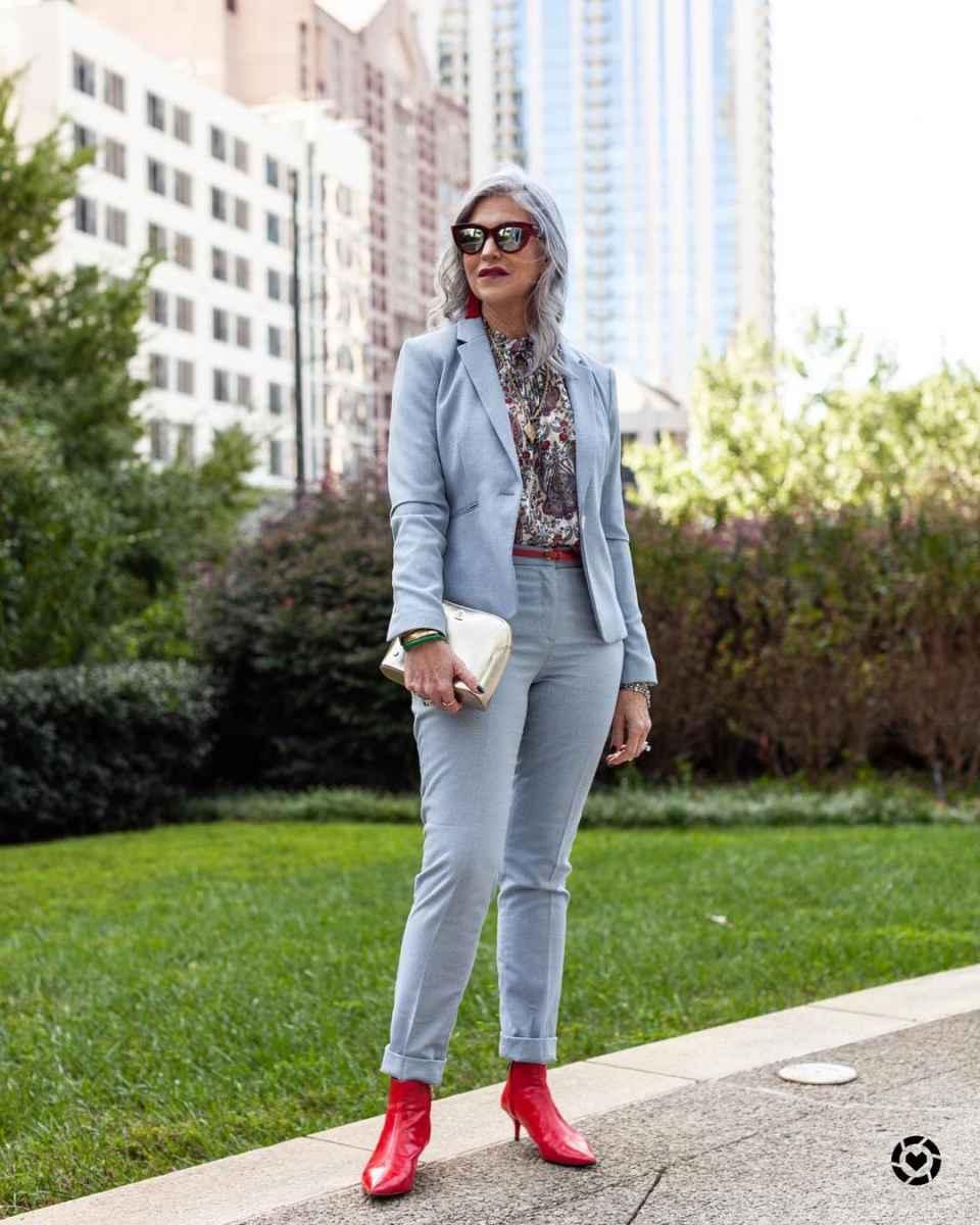 С чем носить джинсы женщинам после 40 фото_5