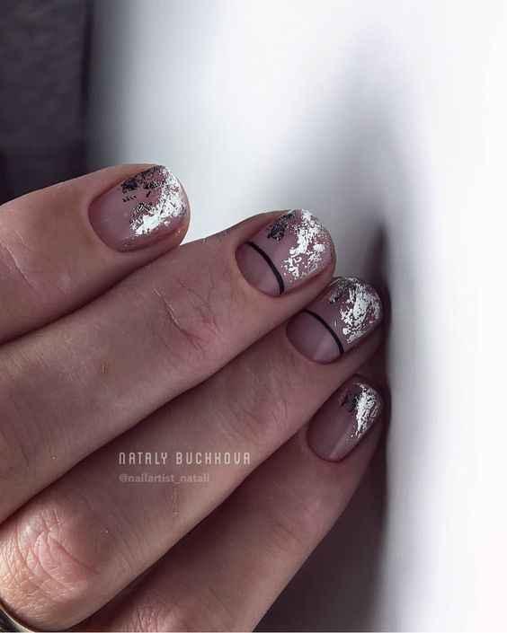 Френч с фольгой на ногтях фото_22