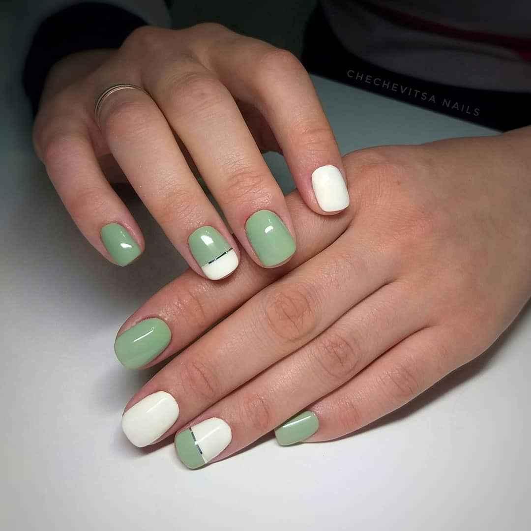 Зеленый френч на ногтях фото_21