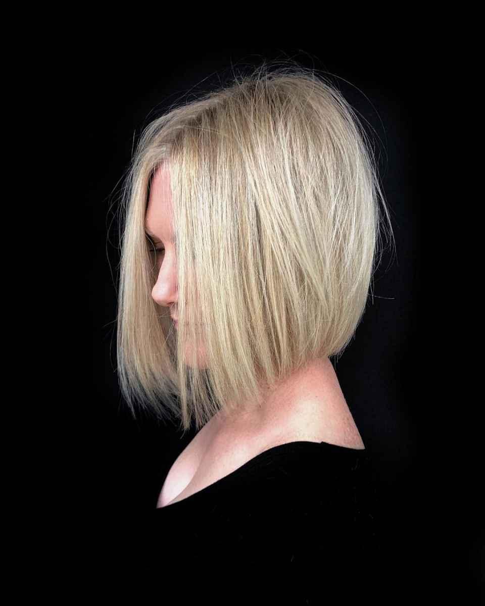 Стрижка каре для блондинки фото_24