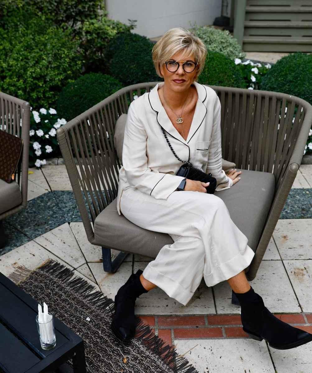 Стрижки для женщин 60 лет с круглым лицом фото_2