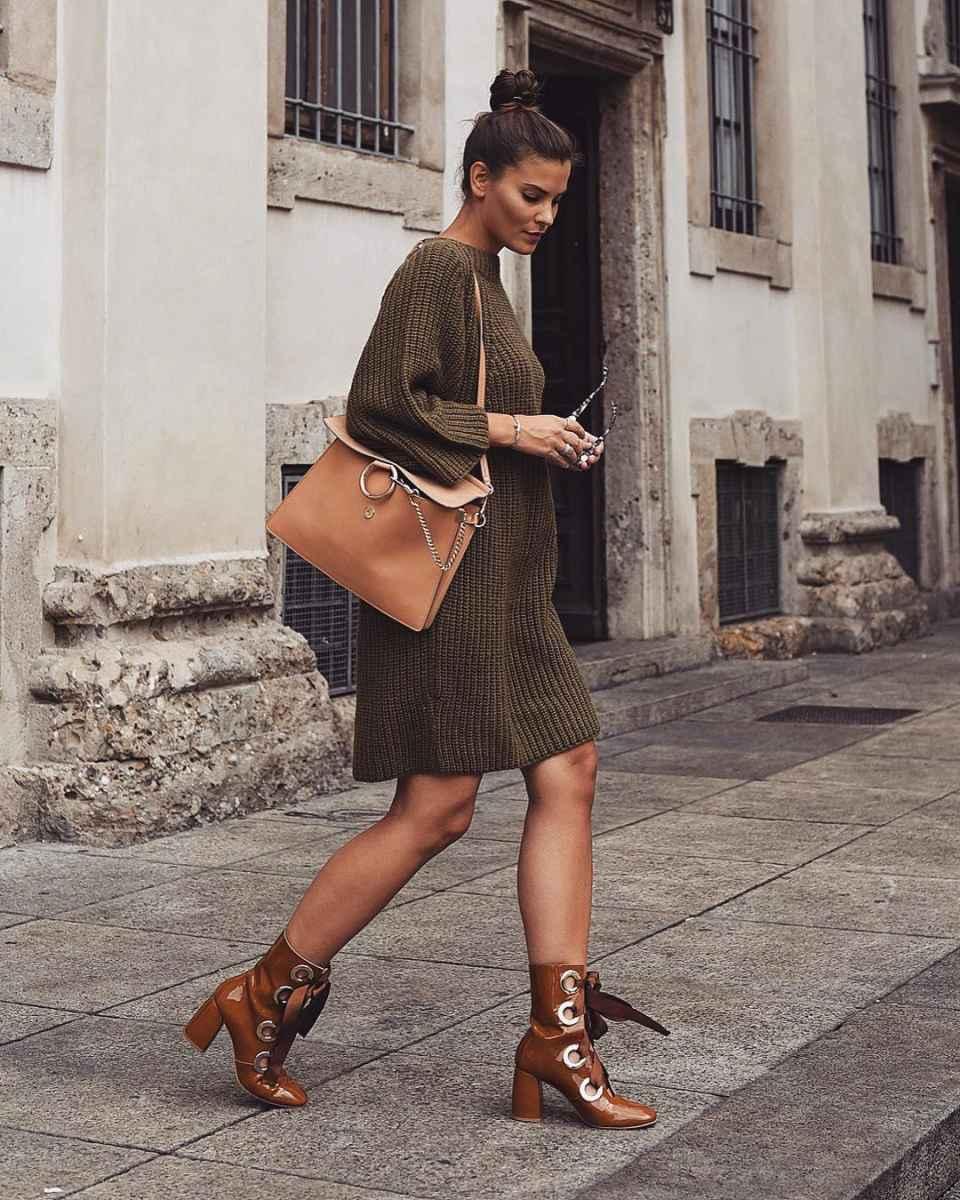 С чем носить коричневую сумку фото_63