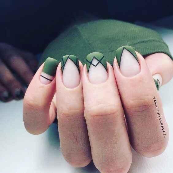 Зеленый френч на ногтях фото_4