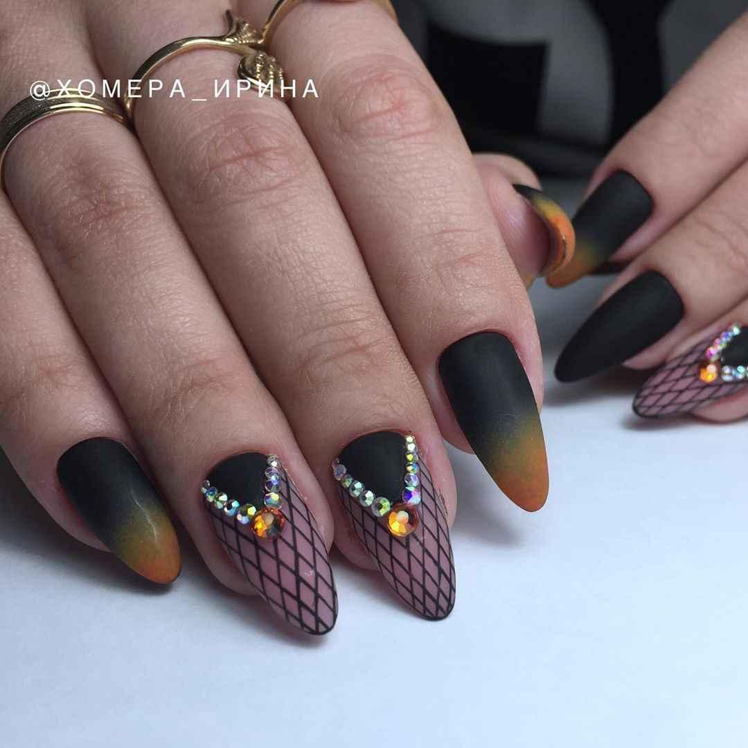 Необычный френч на ногтях фото_56