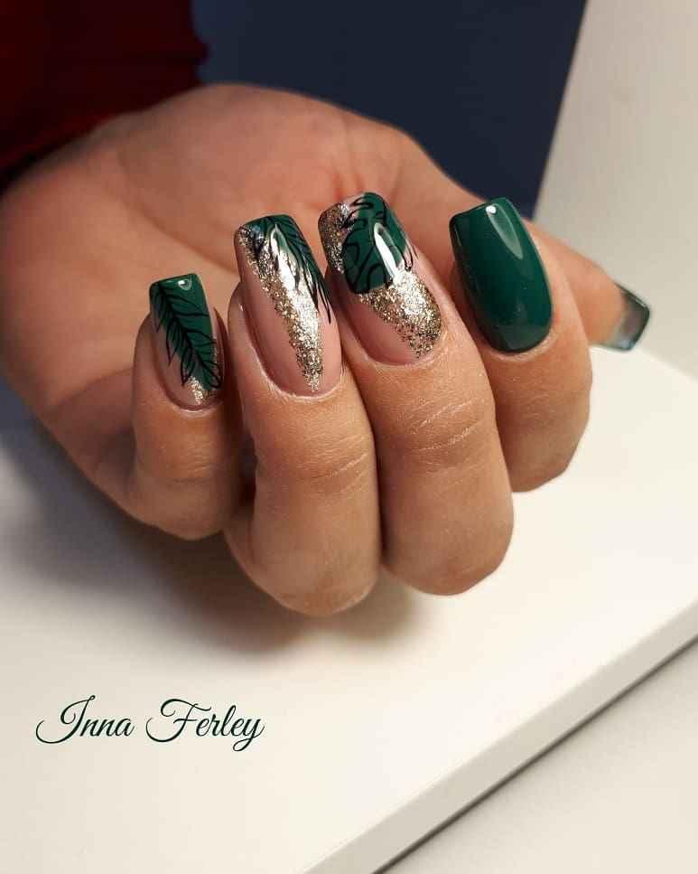 Зеленый френч на ногтях фото_45