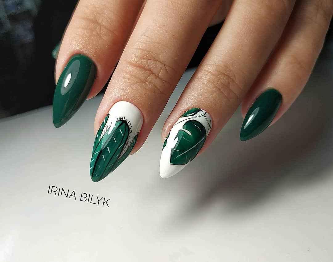 Зеленый френч на ногтях фото_3