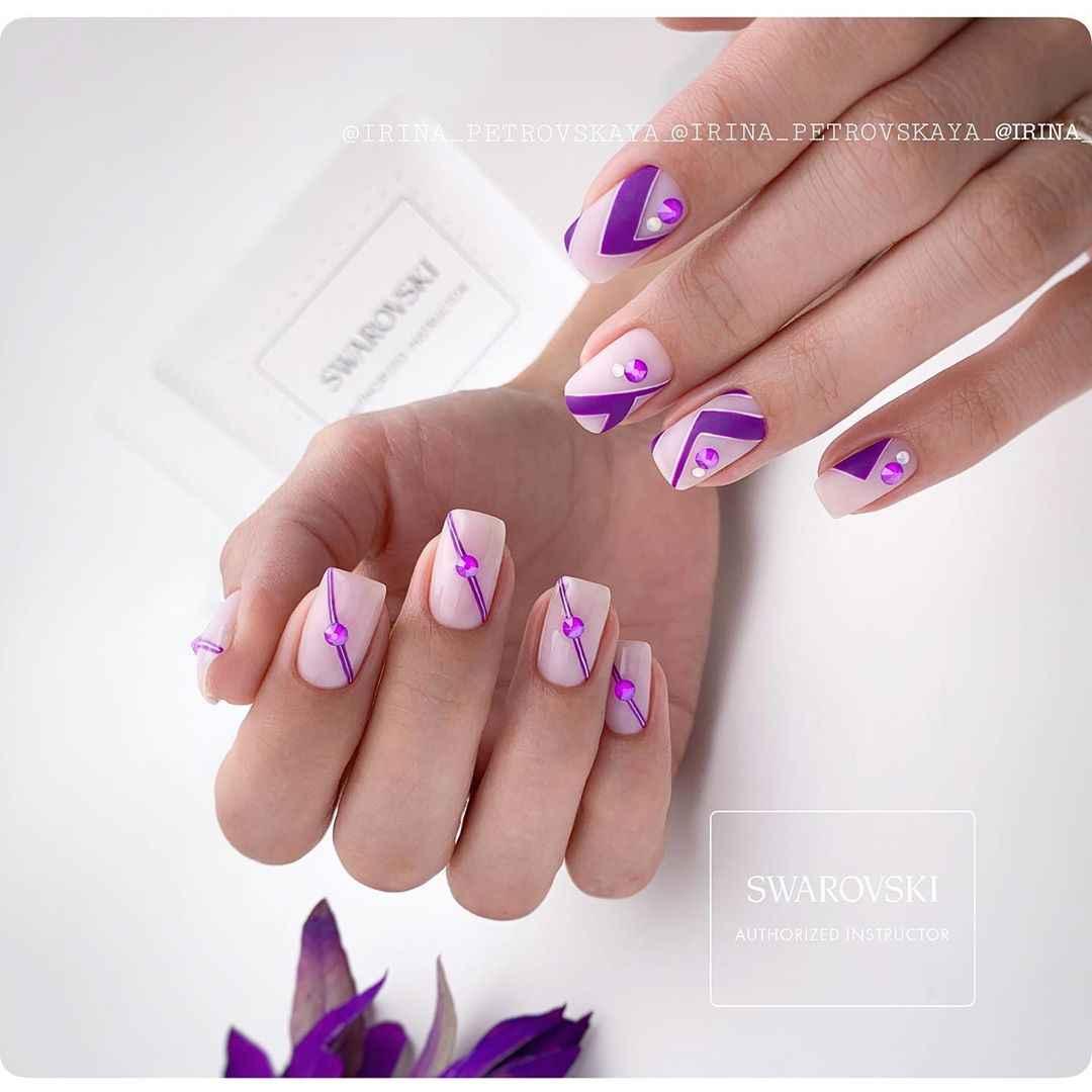 Фиолетовый френч со стразами фото_2