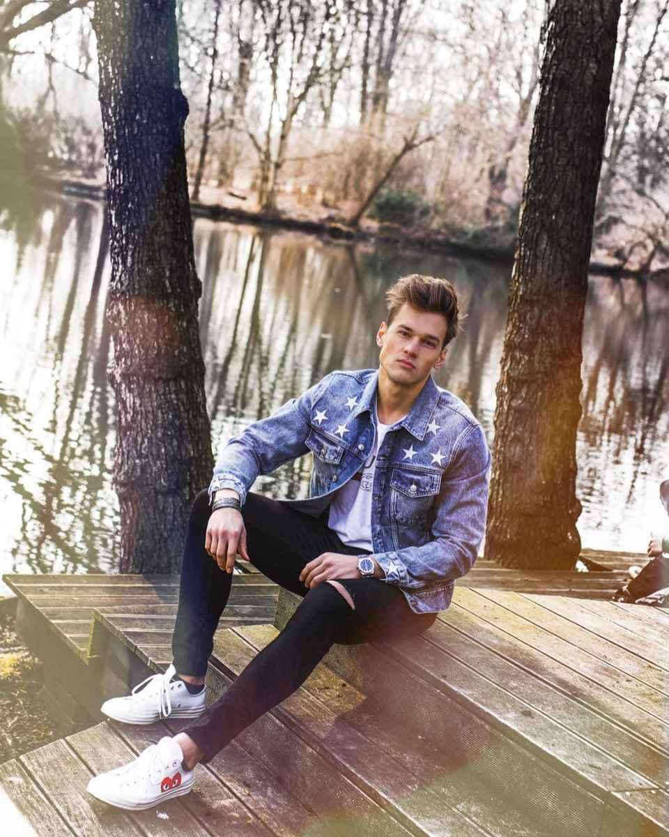 С чем носить джинсовую куртку мужчинам фото_35