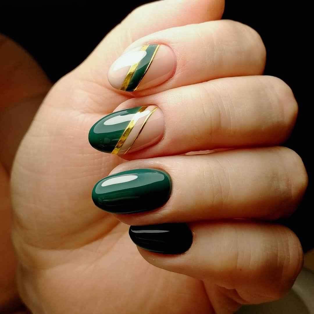 Зеленый френч на ногтях фото_13
