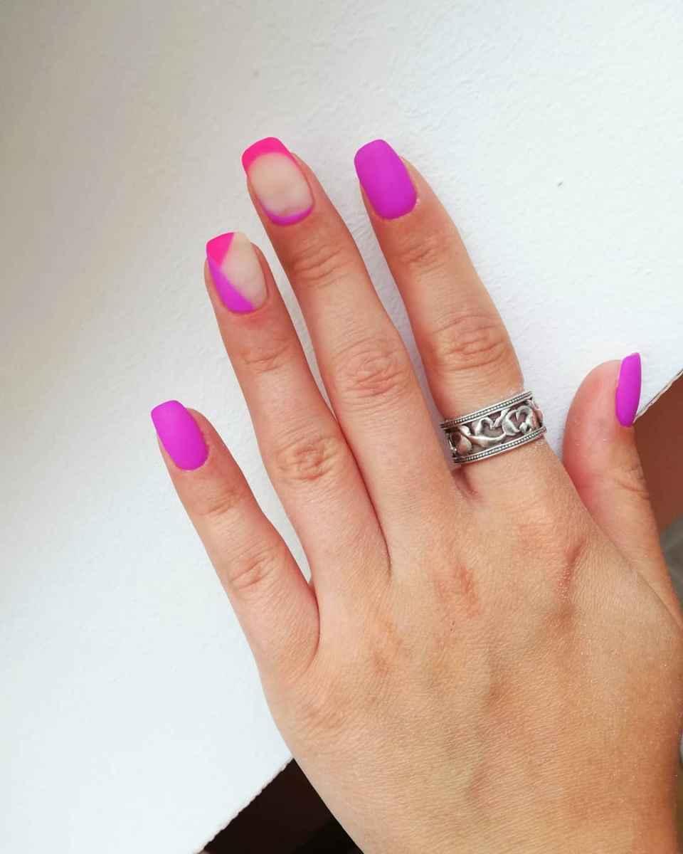 Фиолетовый френч на короткие ногти фото_11