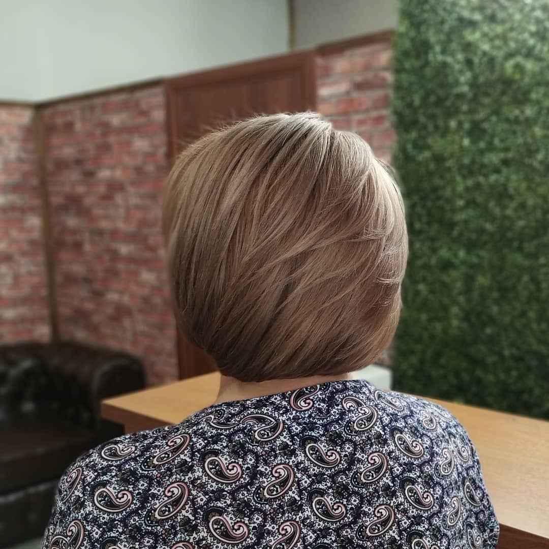 Стрижка рапсодия на средние волосы: вид сзади фото_3