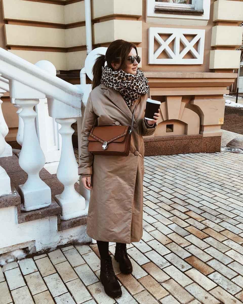 С чем носить коричневую сумку фото_68