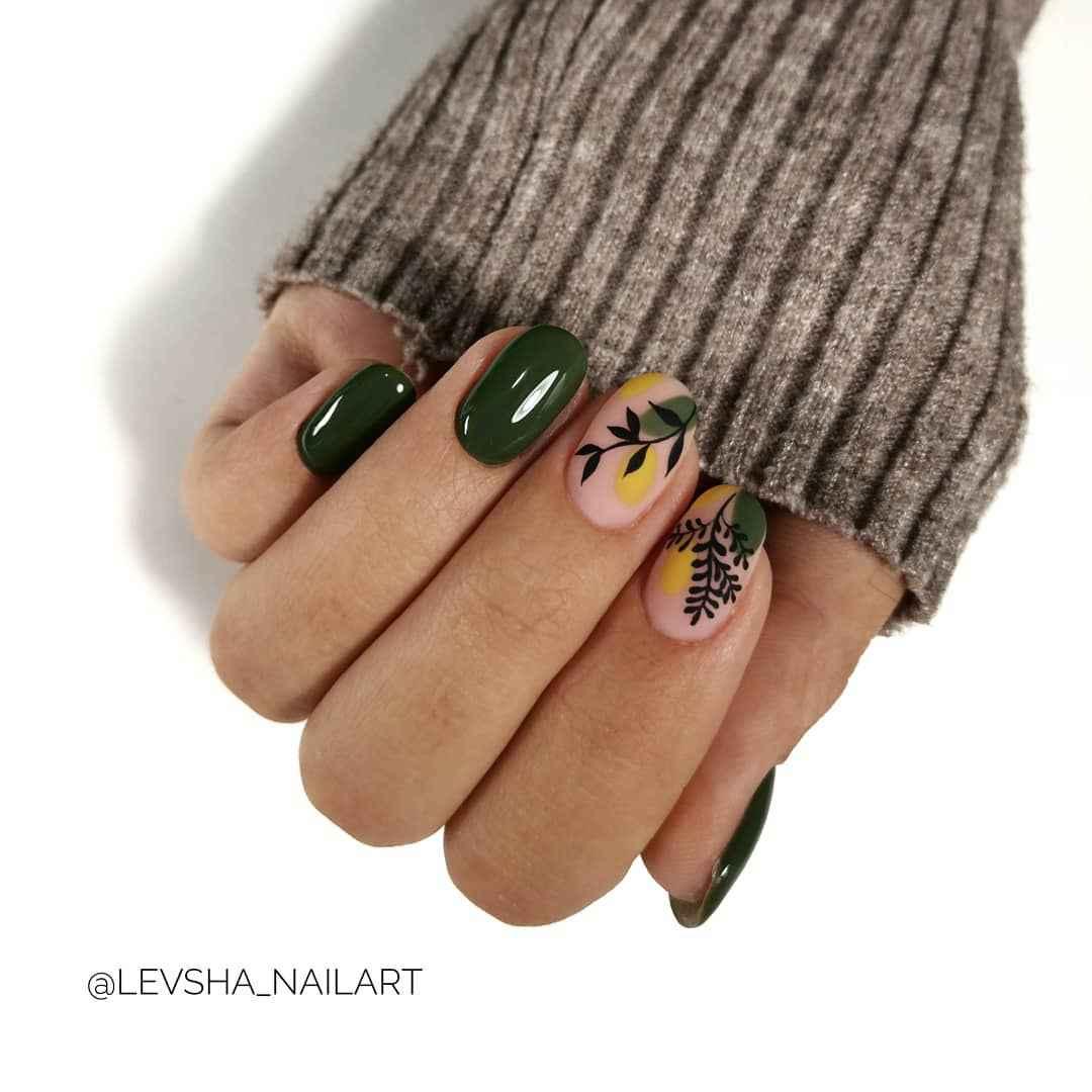 Зеленый френч на ногтях фото_27