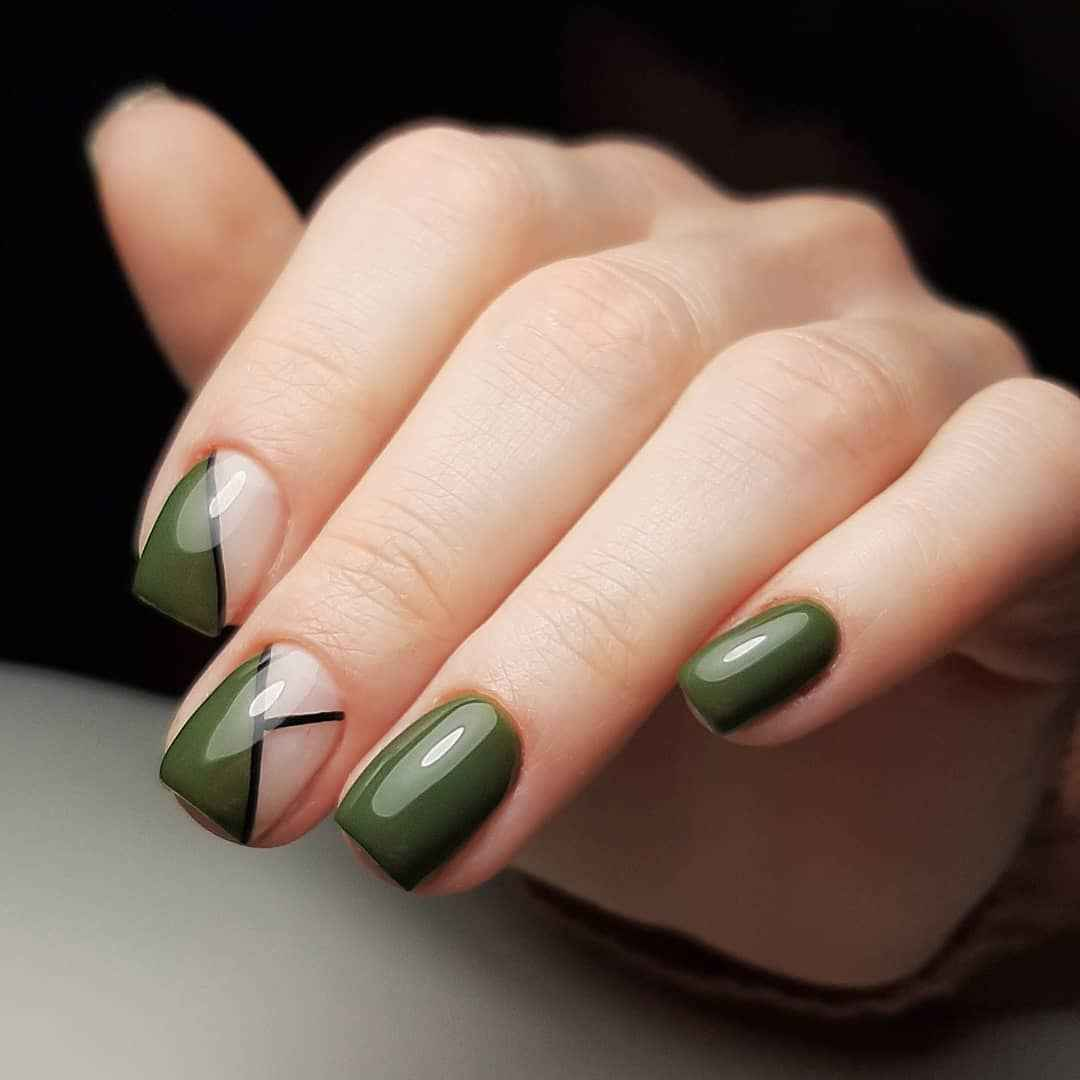 Зеленый френч на ногтях фото_5