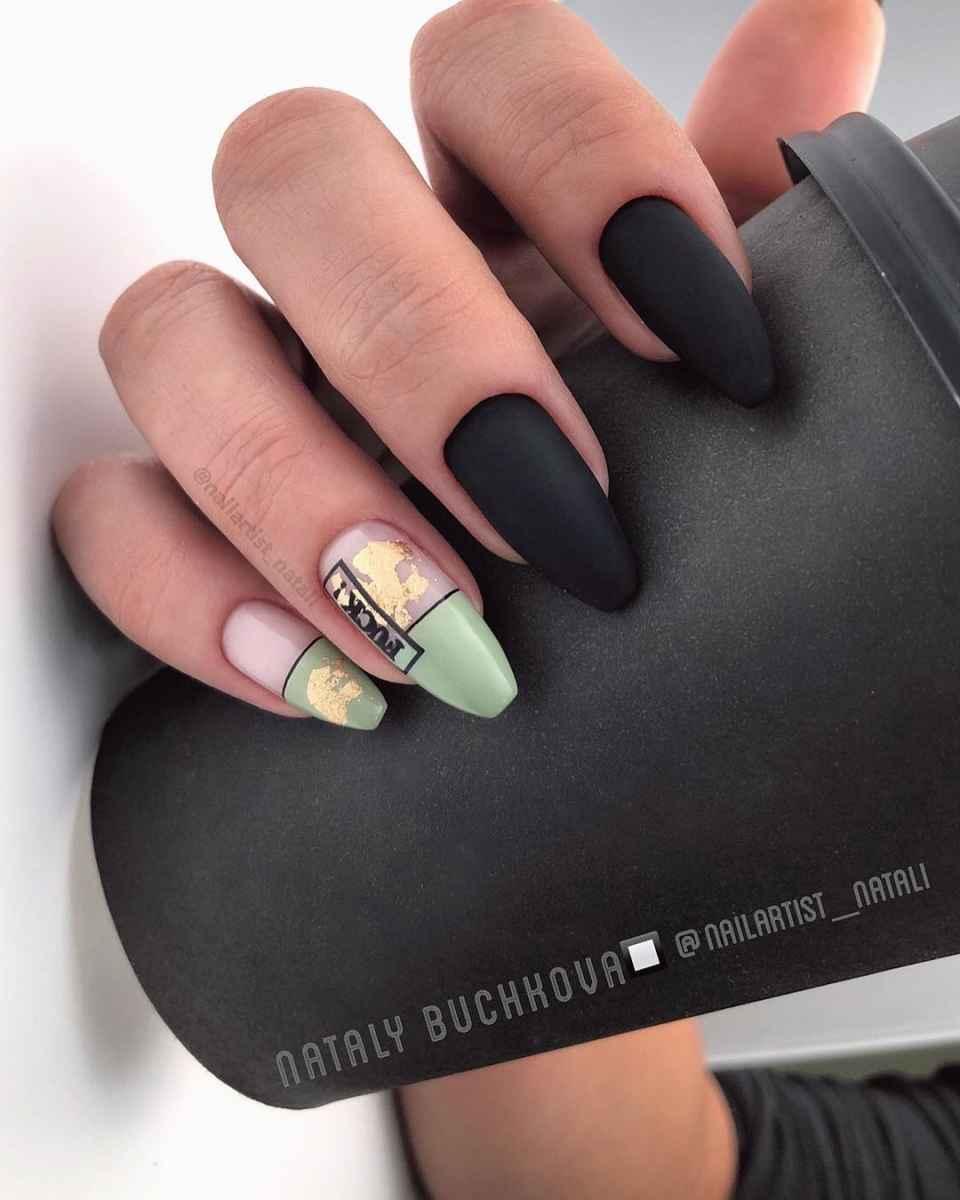 Необычный френч на ногтях фото_53