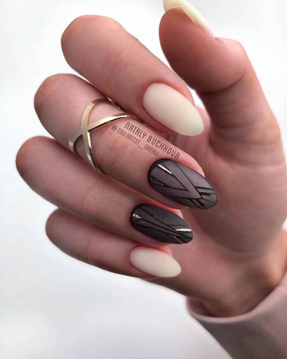 Необычный френч на ногтях фото_49