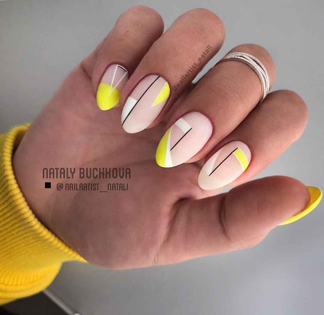 Необычный френч на ногтях фото_37