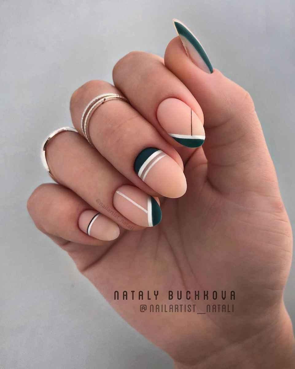 Необычный френч на ногтях фото_34