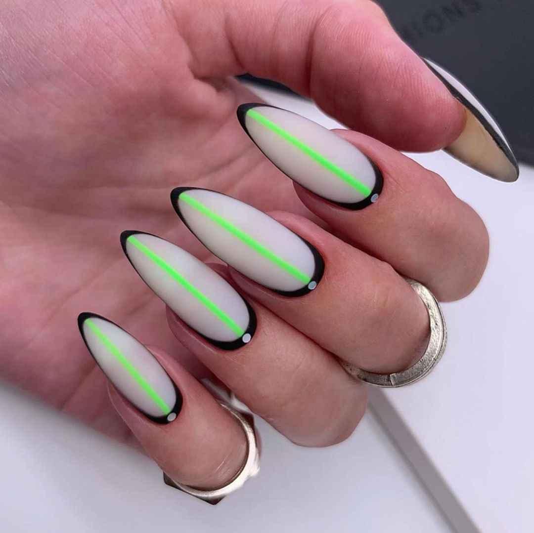 Необычный френч на ногтях фото_67