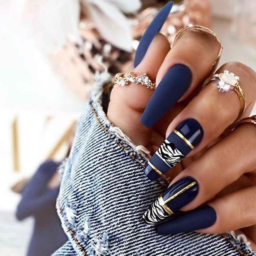Необычный френч на ногтях фото_64