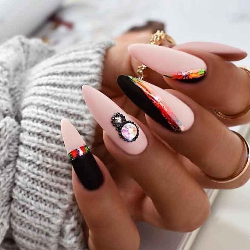 Необычный френч на ногтях фото_63