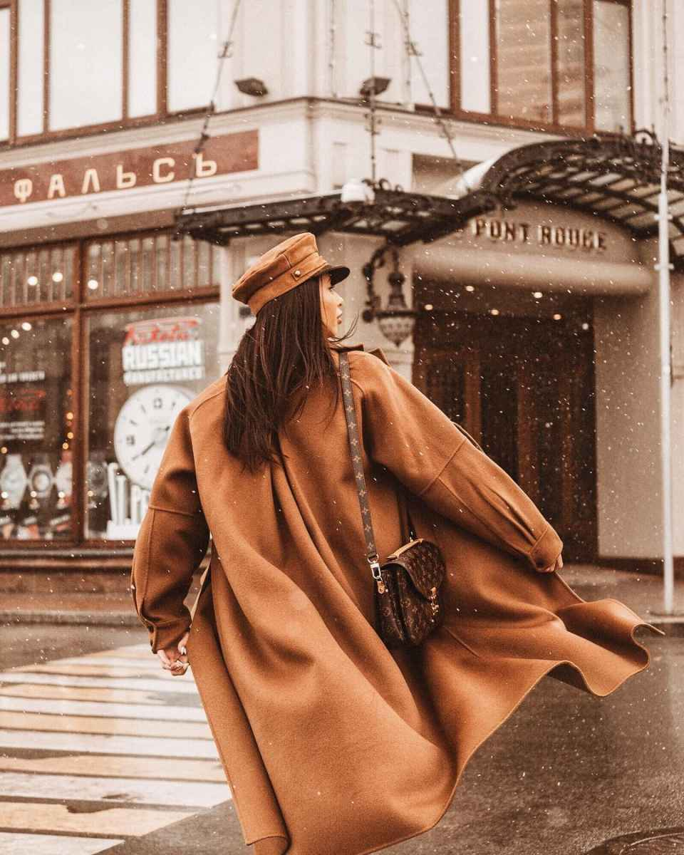 Что носить на голове с пальто фото идеи_22