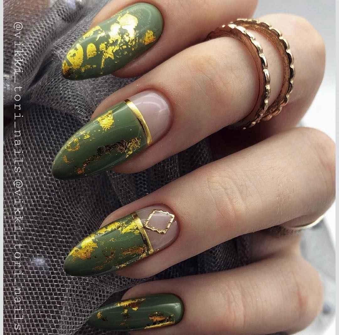 Зеленый френч на ногтях фото_22