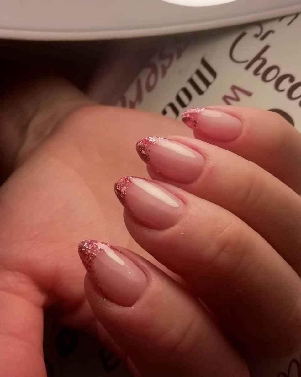 Нежно-розовый френч фото_43